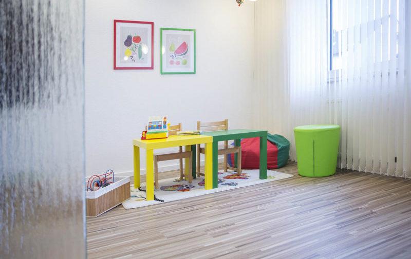 """""""Zwergenprophylaxe"""" (für unsere 2-6-jährigen Patienten) und eine Spielecke"""