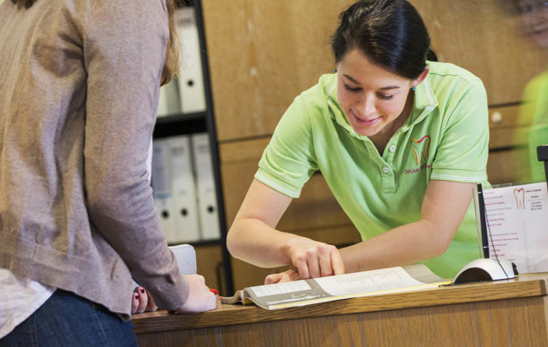 Abwicklung der Formalitäten und des Schriftverkehrs mit Ihrer Krankenkasse
